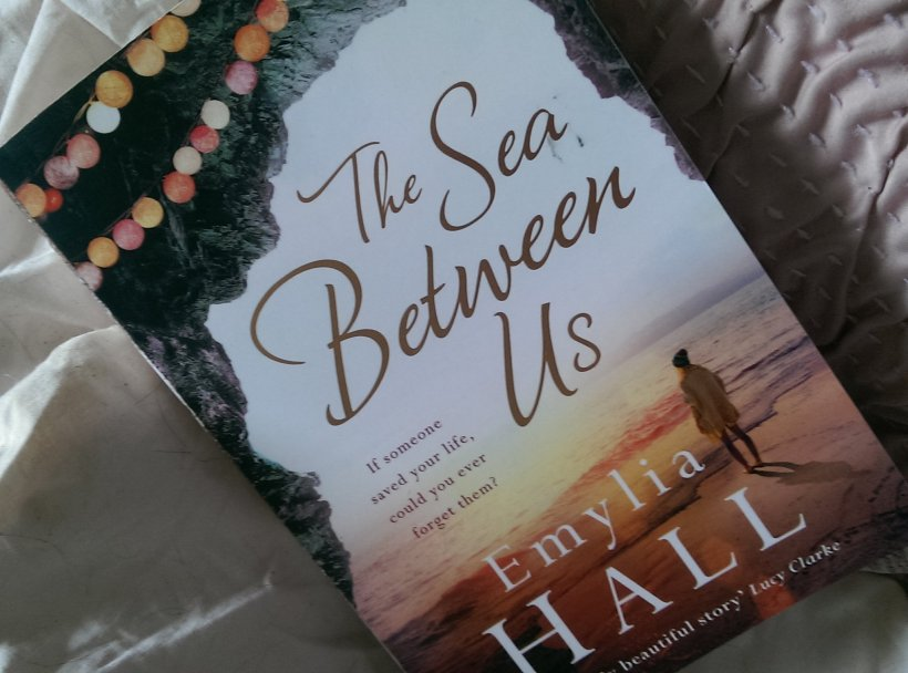 the sea between us by emylia hall